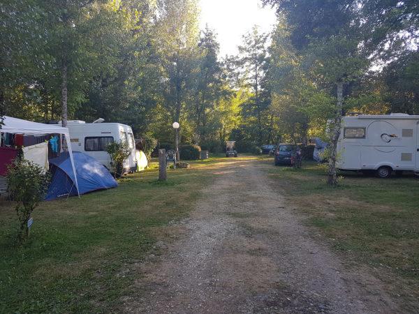 campeurs en camping en Dordogne
