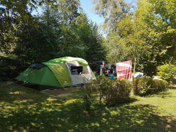 Place de camping ombragée