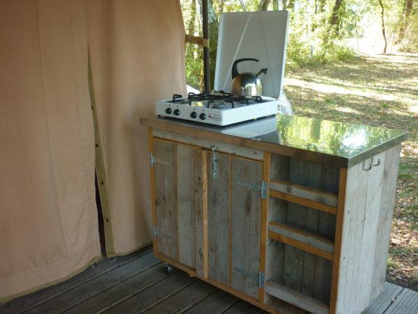 Coin cuisine dans le bungalow