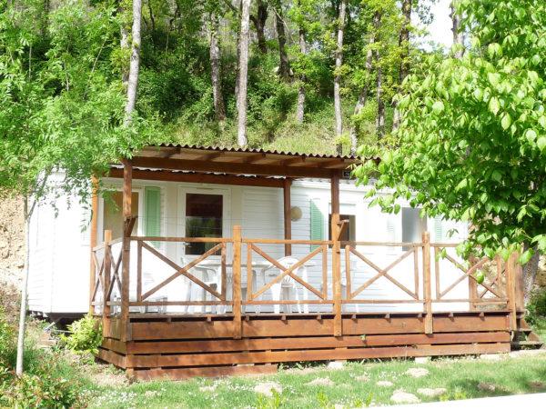 L'emplacement nature du mobil'home pour 4 personnes
