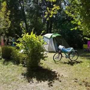 Camper en famille pendant les vacances
