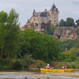 Canoë dans la vallée des châteaux en Perigord