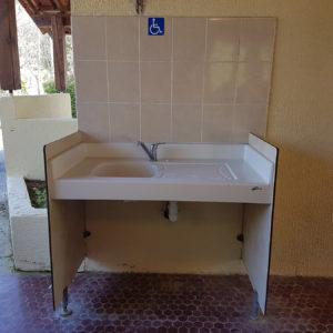 Sanitaire adapté aux PMR