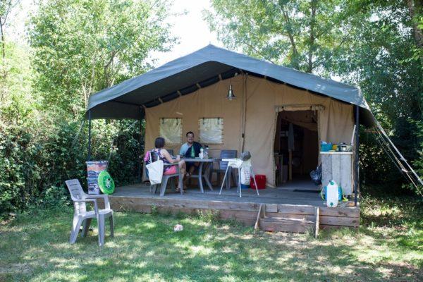 Bungalow en toile camping La Lénotte en Dordogne