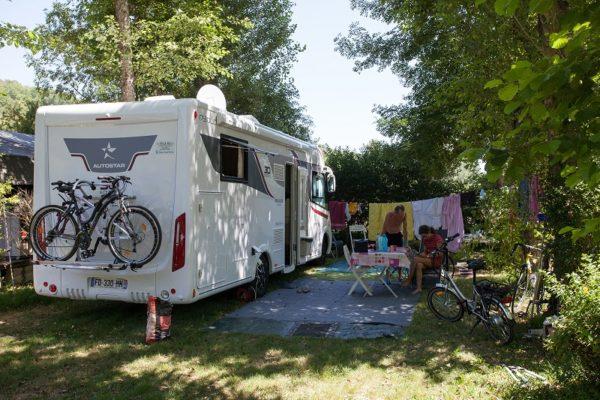 Emplacement pour camping-cars au camping La Lénotte